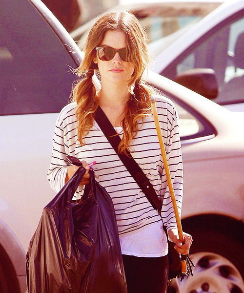 2/50 photos of rachel bilson