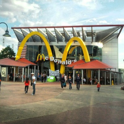i love mc donald's! #disneyland #paris #mcdonalds #instagram #food #hamburger  (Taken with instagram)