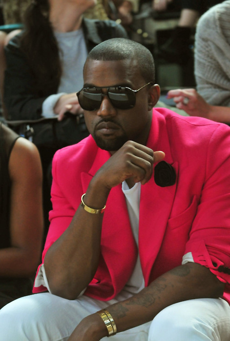 b-ellemode:  kanye is looking sharp ;)