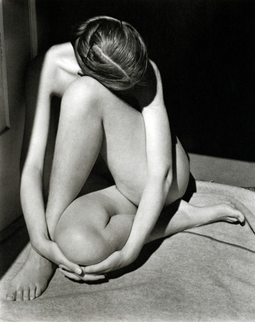 Charis Wilson Weston Nude, 1936, Ph. by Edward Weston