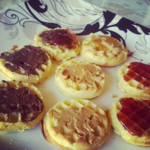 Breakfast! Mini Eggos GO tho! ;) some w/ Nutella, some w/ PB, some w/ Strawberry preserves.. And one Nutella Strawberry .. And one PB & Honey .. #ieatgood ;) (Taken with instagram)