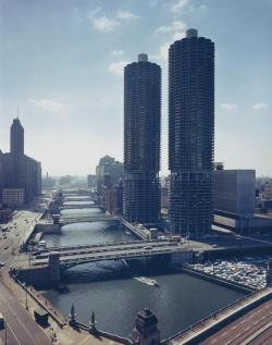 Marina City towers at dusk on 300 North State Street, c. 1965. Photograph from Hedrich-Blessing. Want a copy of this photo? > Visit our Rights and Reproductions Department and give them this number: HB-23215-C5.  Connect with the Museum