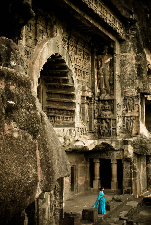 wheresmysuitcase:  Ellora Caves-India