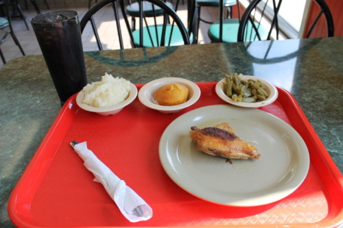 Lunch at Q's Southern Restaurant in Jacksonville.