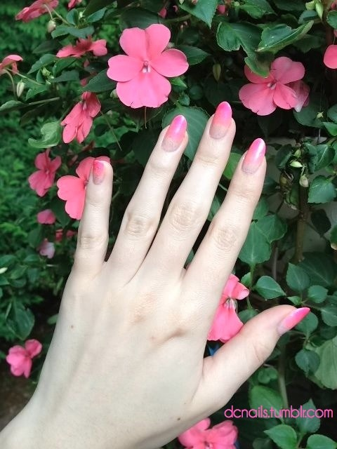 I should just start coordinating all my nail art to the flowers in my yard.