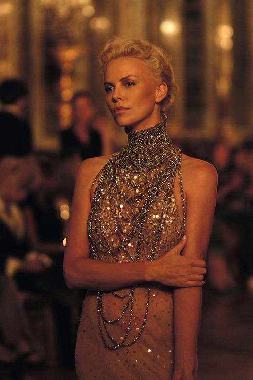 kingofcouture:  Chalize Theron wearing Dior