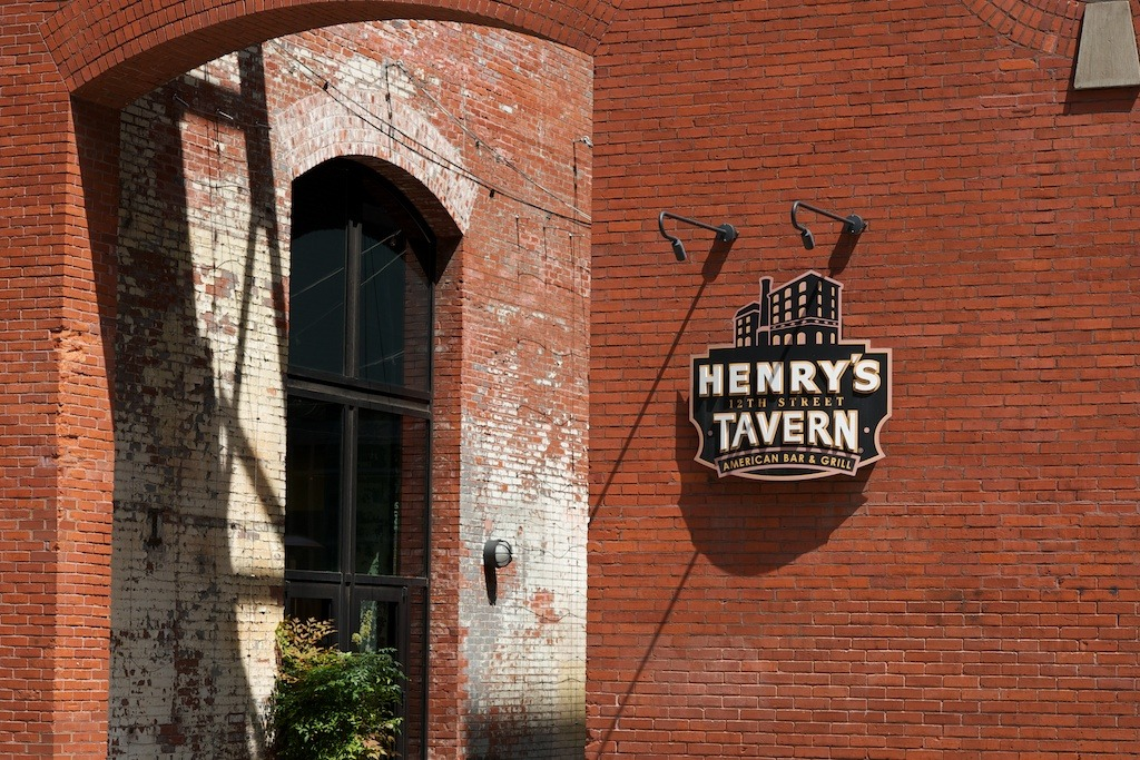 Henry's Tavern, The Pearl, Portland