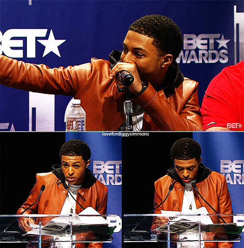 JUST IN! Diggy has been nominated for BET's YoungStars award and Best New Artist award!Not to forget, Diggy will premiere the music video of 4 Letter Word TODAY on 106&Park! Make sure you tune in on 106&Park in 40 minutes.