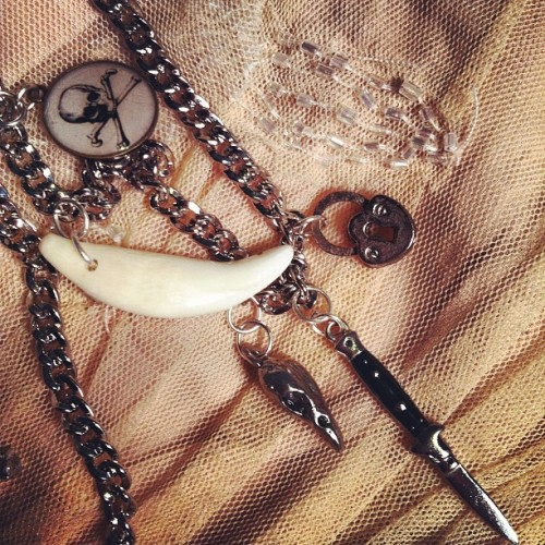 Detail #jewelry #coyotetooth #gigideluxe  (Taken with instagram)