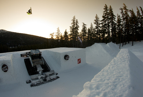 So stoked that my buddy Seth Hill got standout at Superpark 16. Photo by Huggy.
