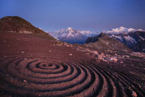 Ondulation by Sylvain Meyer Land art at Col de la terrasse, Facing the Mont blanc in the Alps.