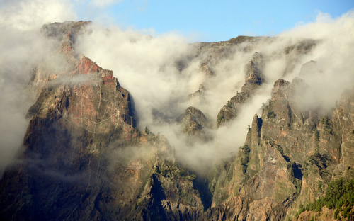 cannolis:  Caldera de Taburiente National Park, La Palma, Canary Islands, Spain by _Zinni_ on Flickr.