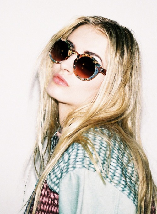 unicorns0n-acid:  riverofbones:  soft grunge/fashion ✰  ✟softgrunge✟