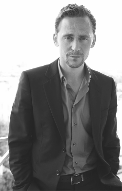mhiddlestons:  44/100: Tom Hiddleston