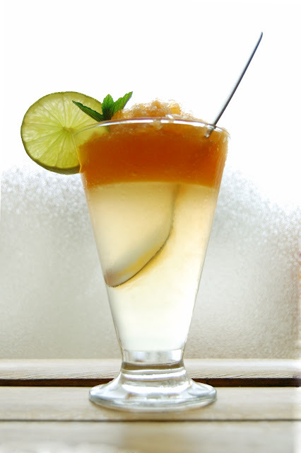 thecakebar:   lemon lime jelly with melon frappe (recipe/tutorial)    Could use one of this nwwwwwww