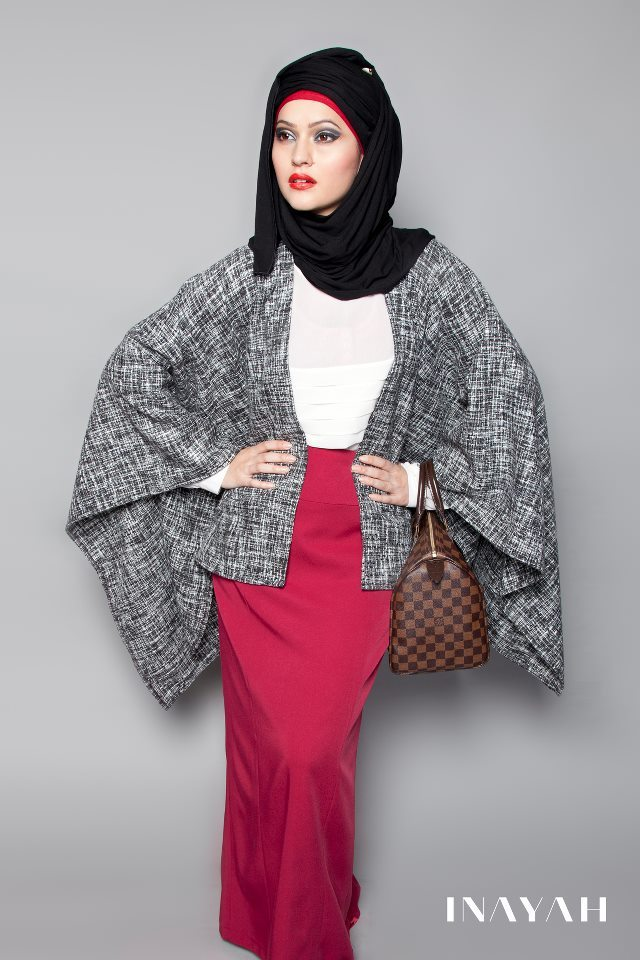 hernameismodesty:  BLACK JERSEY HIJAB BLACK & WHITE CAPE OFF-WHITE RUFFLE TOP DARK RED PENCIL SKIRT