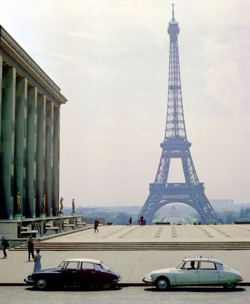 ruesainthonore:  retro paris