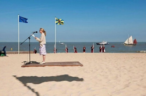 (via 33 Perfectly Timed Photos)