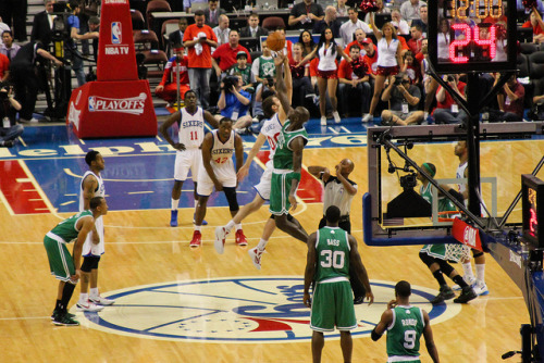 agonyofdefeatpics:  SIXERS vs. CELTICS - 5/16/12 Tip-off of the Sixers' game 3 loss to the Celtics. Check out the rest of my photos, including some shots of future Hall of Famers Pierce and Garnett. (Tip-off on Flickr.)  On my photoblog. Check it out: agonyofdefe.at