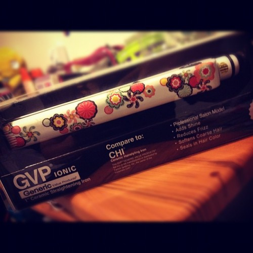 Got a new Straightener :) Yaaaay hopefully it works as good as my old chi 💁#gvpionic #chi #generic  (Taken with instagram)