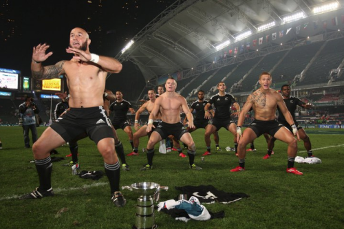 Kiwis do the Haka