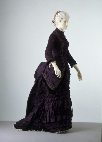 omgthatdress:  Dress 1879 The Victoria & Albert Museum