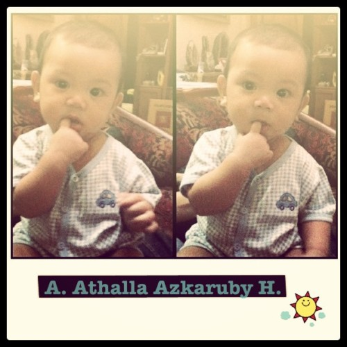Little azkaruby! #baby #cutebaby #babyboy #instagram #instaphoto #instapop #igers #photooftheday (Taken with Instagram at homey)