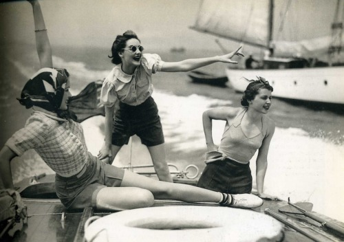 photo by Norman Parkinson, c. 1930s