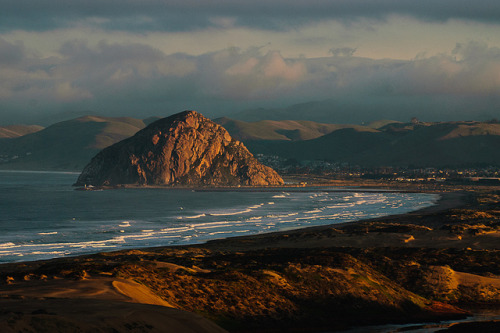 myprettyuniverse:  Morro Bay Morning by Olancha Peak on Flickr.