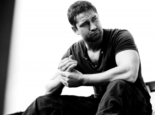 natalie2plus3:  WEDNESDAY = HUNK DAY Classic hunk - Gerard Butler