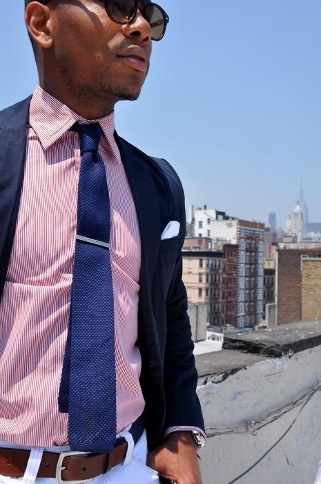 nice. like the jacket, pink shirt, blue tie