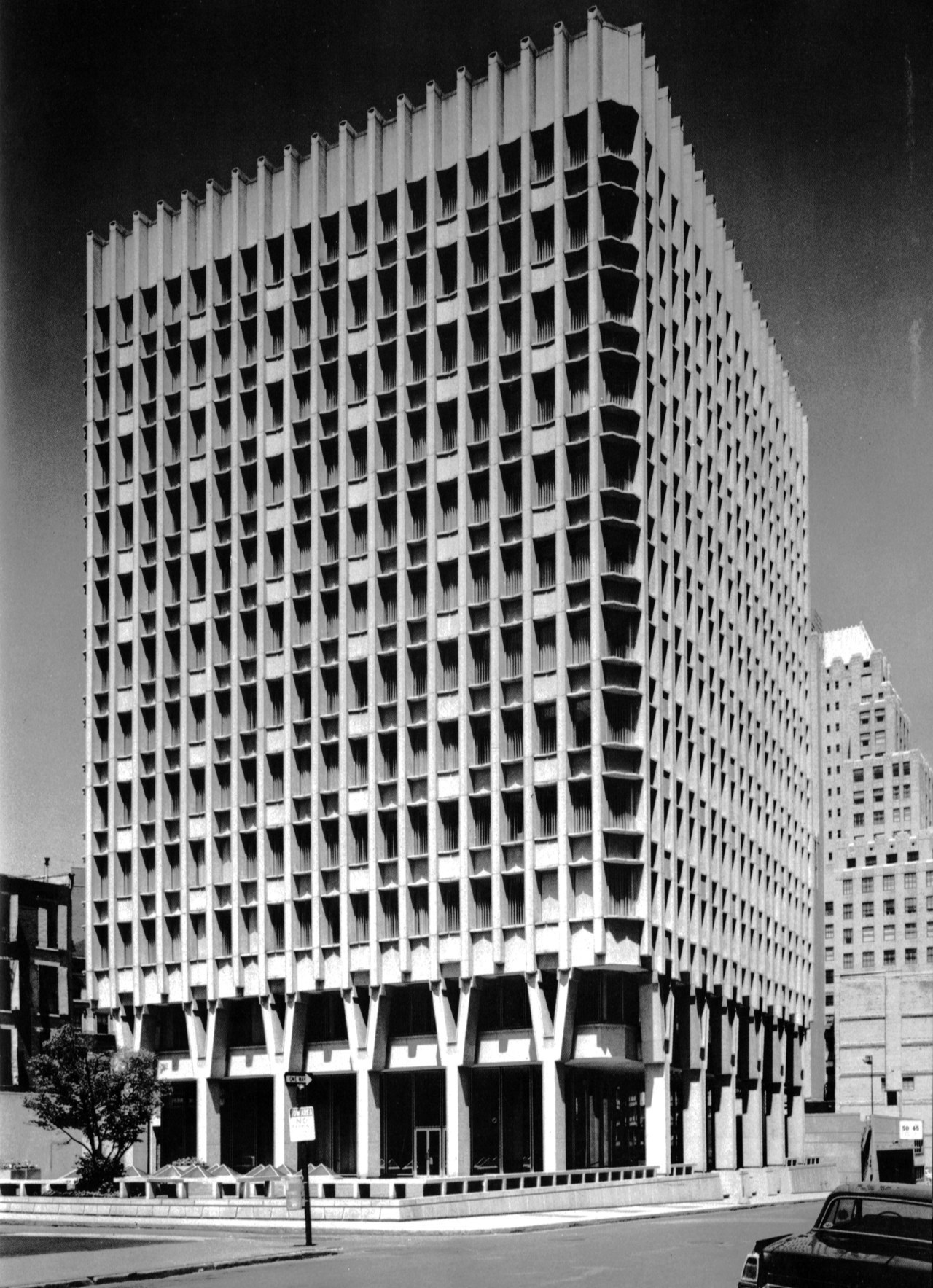 Blue Cross Blue Shield Building, Boston, Massachusetts, 1957-60 (Paul Rudolph)