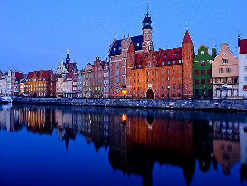 allthingseurope:  Early morning in Gdansk, Poland (by frans.sellies)