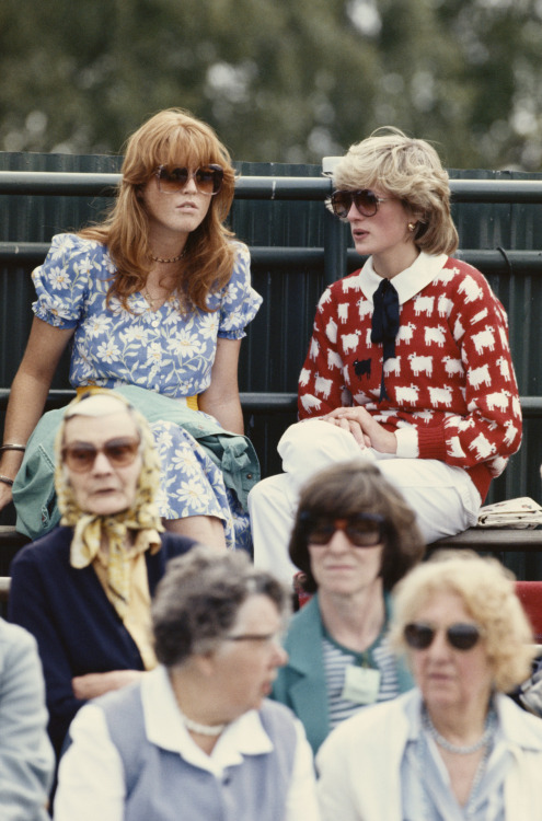 stylelistsays:  Sarah Ferguson & Princess Diana, 1983  need that sweater!