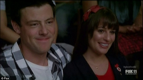 Pardon our puffy eyes from last night's #GLEE finale! Did you watch? Did Finn and Rachel make the right decision?? (Image via Daily Mail)