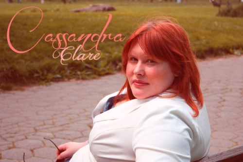 Reblog if Cassandra Clare is your favorite writer. :)