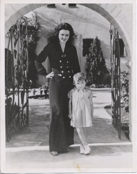 Mary Astor with daughter, Marylyn, 1937  Submission from ssensing