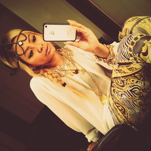 i-own-you-bitch:  honey cocaine