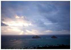 lanikai. damn clouds. but i think its still pretty b.a!