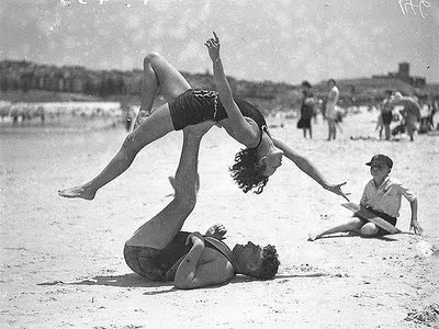 Reason #234,675,687 I love the beach and old school bathing suits. Found here