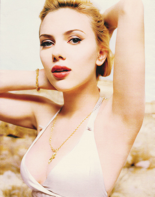 25/ 50 photos of Scarlett johansson