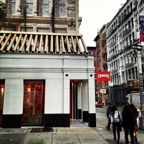 New @Camper #store by #ShigeruBan in #SOHO #newyork #architecture #archdaily #instagood #iphonesia  (Taken with instagram)