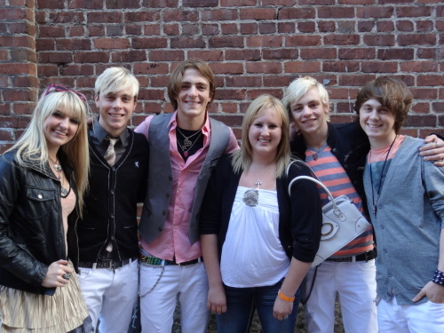 Got my R5 Meet & Greet pic! I look gross, but thats okay haha. I still can't believe this happened!!