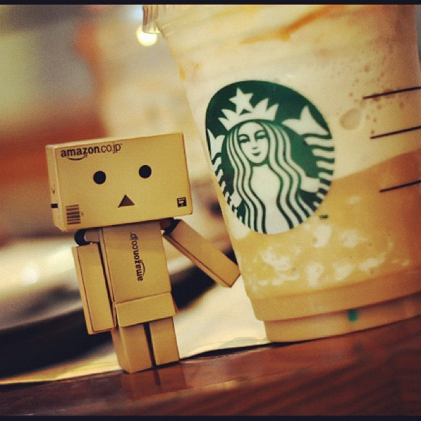 Yummmm #awesome #robotbox #cute #starbucks #coffee (Taken with instagram)
