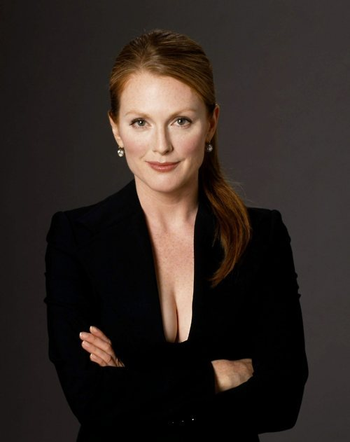 fuckyeahhotactress:  Julianne Moore  She so pretty :)