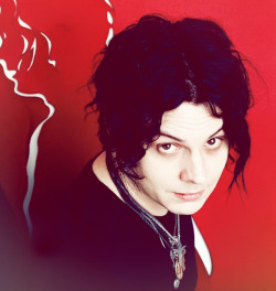 lovertolover:   - 100 photos (in no particular order) of Jack White: 100/100