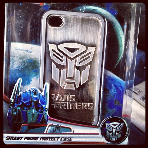 I had to… #transformers #iphone #case #phonecase #awesome #autobots  (Taken with instagram)
