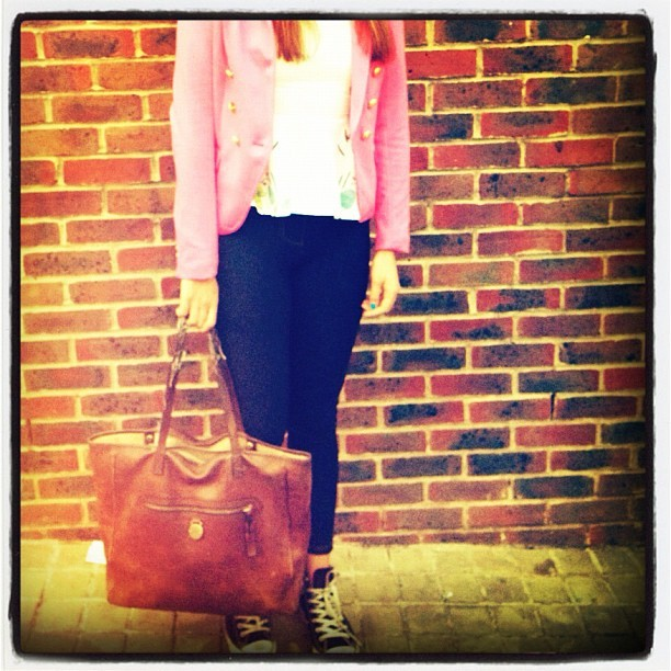 #todays #outfit #jeggings #black #converses #white top #pink #blazer with #gold #buttons #mulberry #bag #fashion #stylist Charlie fi  (Taken with instagram)
