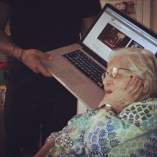 "allthingsaubrey:  This was so cute! Drake's grandma is hearing ""Look What You've Done"" for the first time! :)"