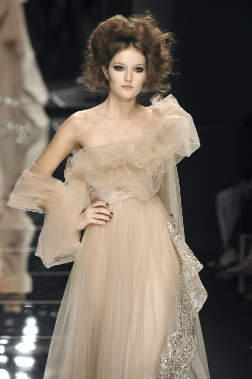 game-of-style:  Myrcella Baratheon - Elie Saab Fall 2008